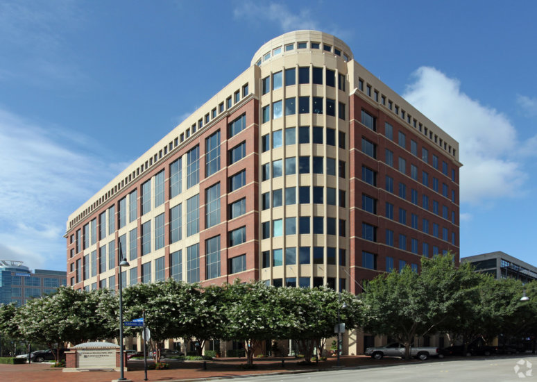 1261-1.15601-Dallas-Parkway-Addison-TX-75001.Building-774x550.jpg