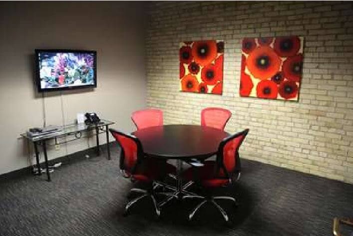 1330-02Virtual_Office_Minneapolis_Conference-Room.jpg