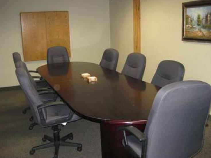 1330-05Virtual_Office_Minneapolis_Meeting-Room-3-735x550.jpg