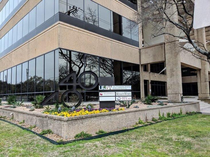 1356-04.Building2-733x550.jpg