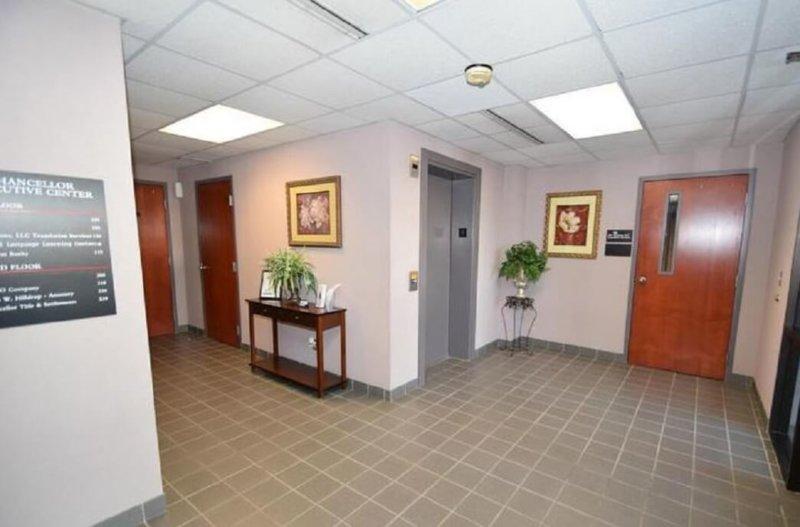 1382-02.lobby_-800x527.jpg