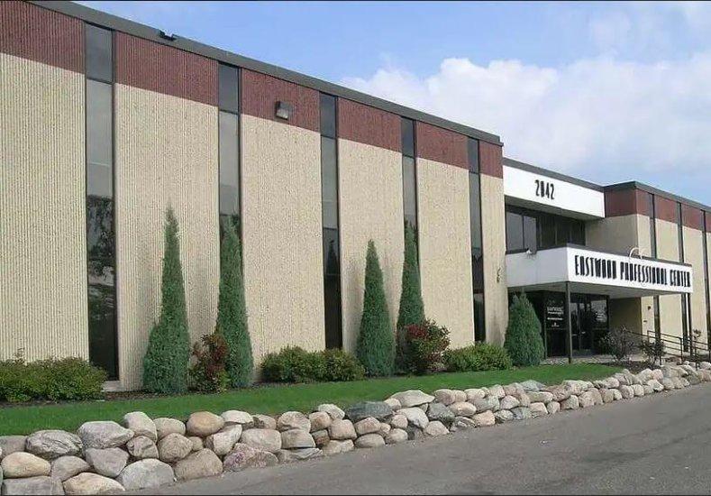 2042 Wooddale Drive, Woodbury, MN 55125