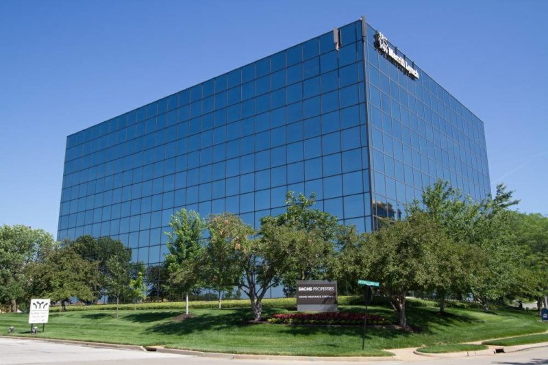 400 Chesterfield Center, St. Louis, MO 63017